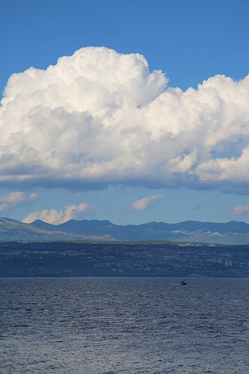 Dicke eindrucksvolle Wolken sorgen für Abkühlung