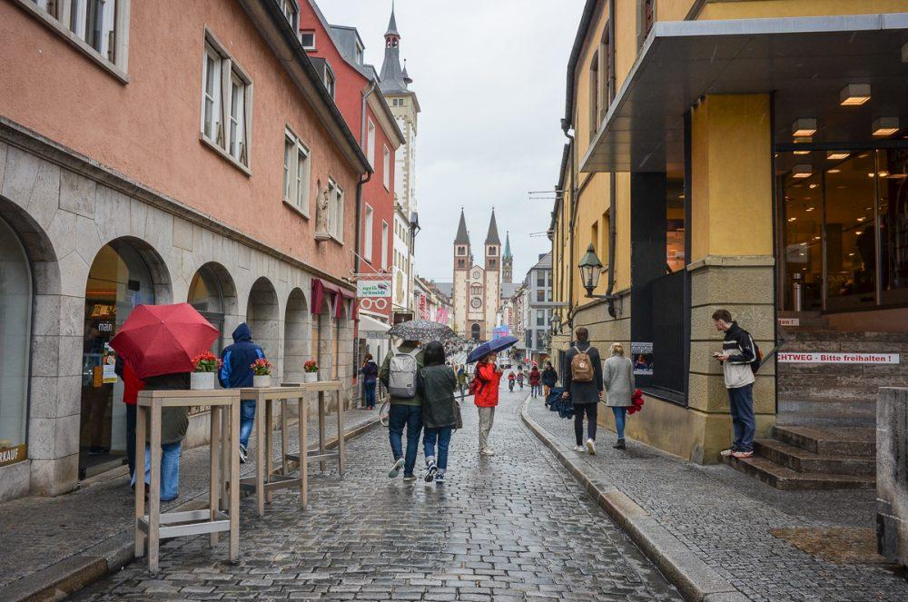 Würzburg Altstadt bei Regen