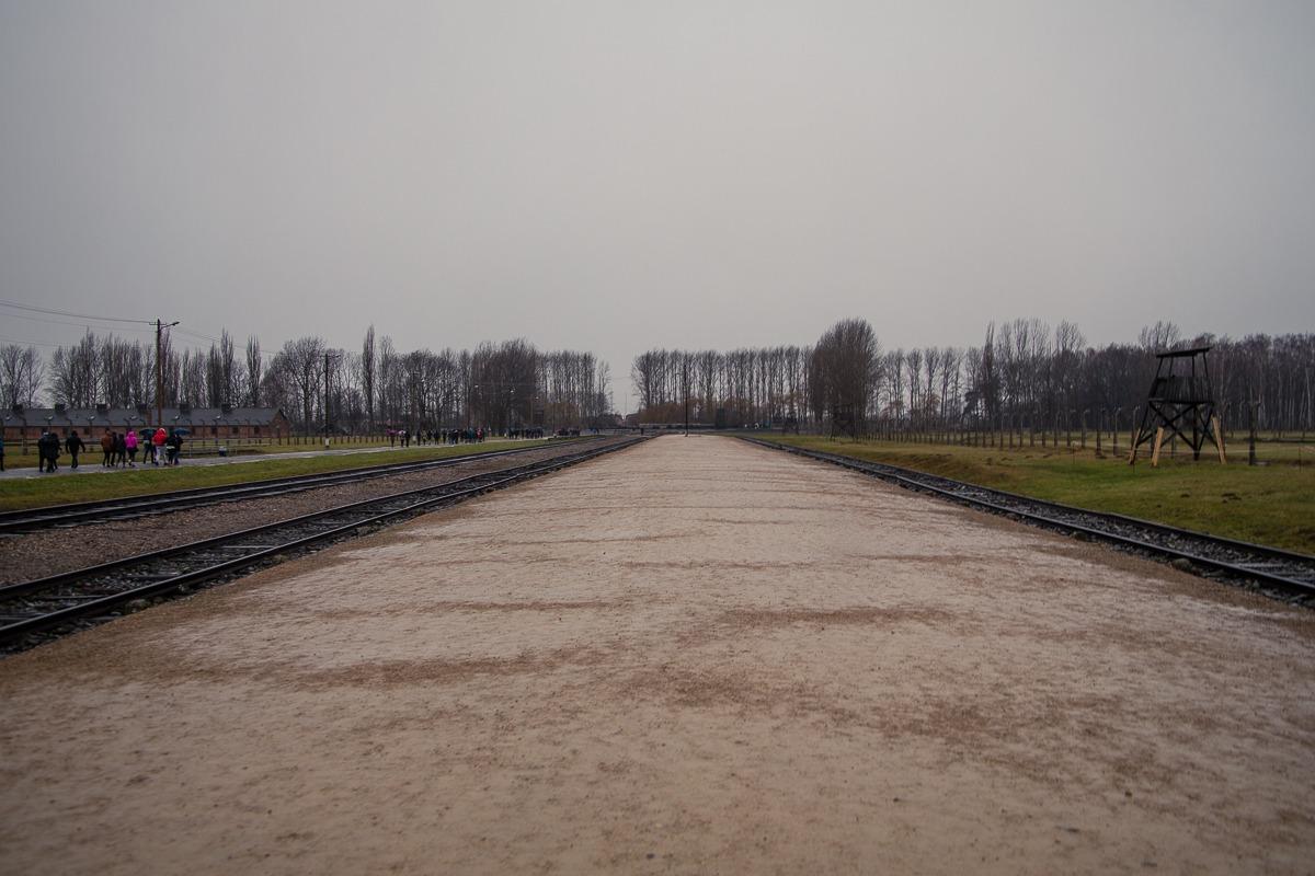 Birkenau von der Judenrampe zum Krematorium